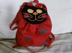 Sac à dos pour enfant - http://www.mespetitesmainspleinesdedoigts.fr/blog/tutoriels-couture-enfants/tuto-sac-a-dos-enfant-chat-ou-chien.html