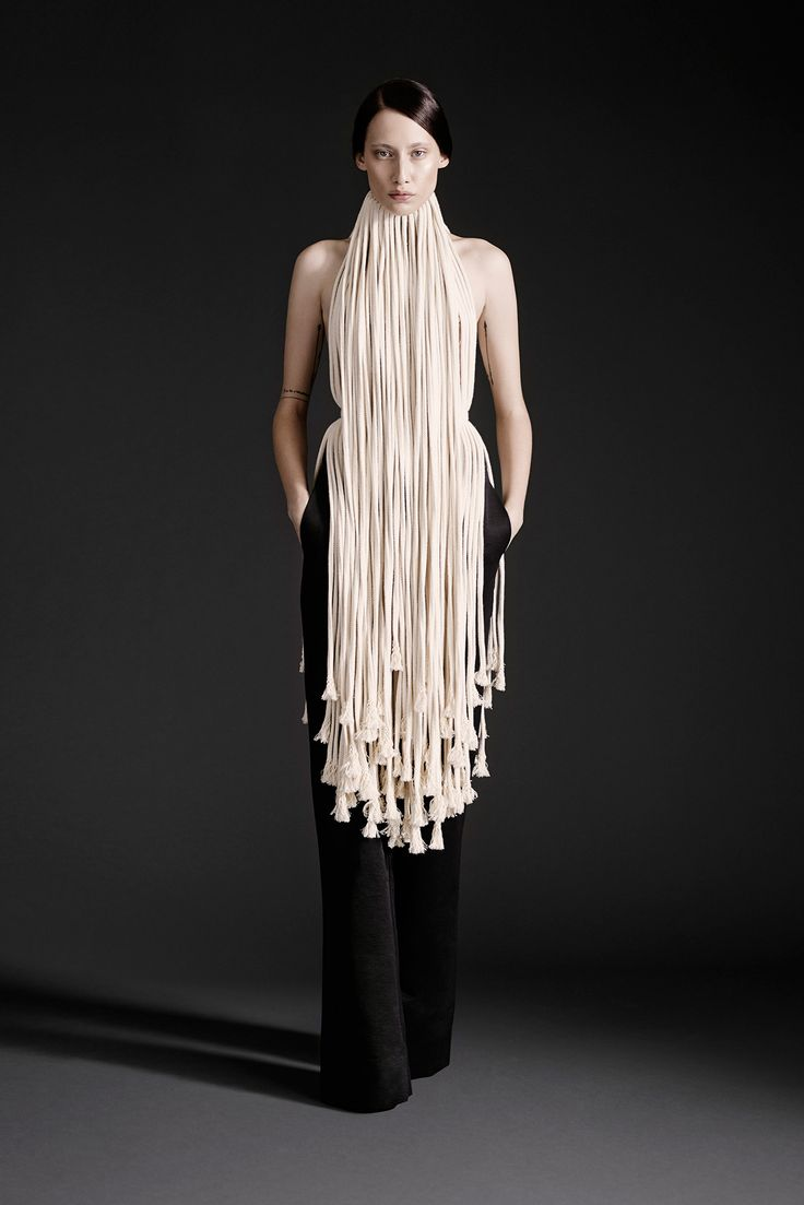 Make a toned-down version of this crazy rope necklace. Spring 2015 Ready-to-Wear - Gareth Pugh