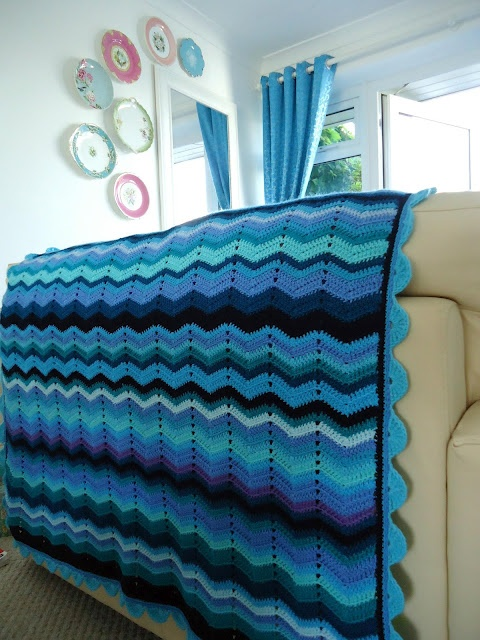 Knitting Pattern For Rippling Waves Afghan : MemeRose, love the colours in this blanket Crochet Blankets Pinterest B...