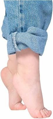 Toe Walking in children and how PT can help! Repinned by  SOS Inc. Resources  http://pinterest.com/sostherapy.