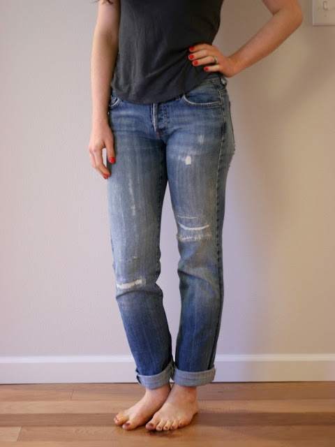 Adventures in Dressmaking: Favorite new old boyfriend jeans--my jeans-mending method in action yet again, plus making skinny jeans. -- Great post by Suzannah! Perfectly broken in jeans too.