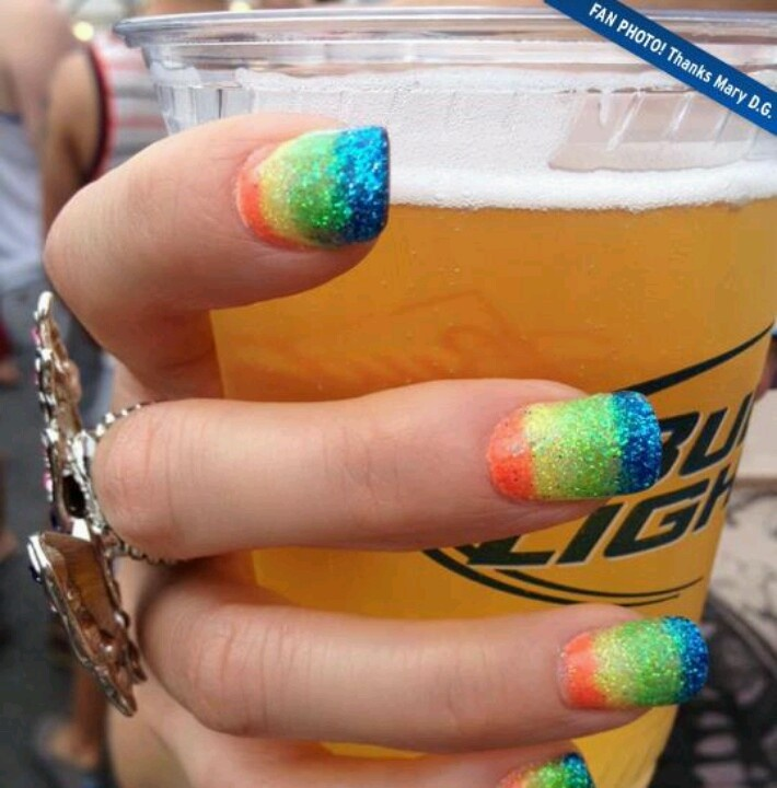 Rainbow nails and budlight oh yeah