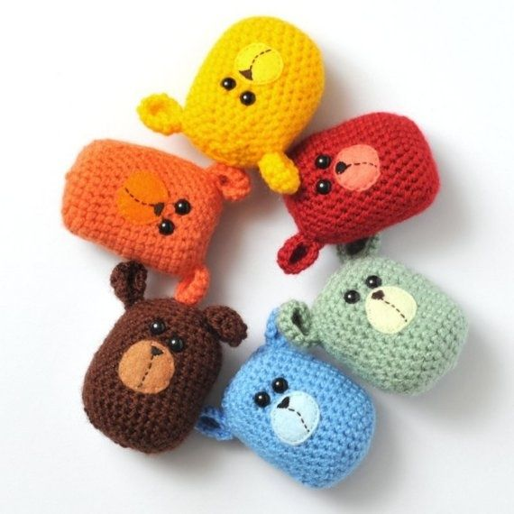 such a cute face - no pattern hand warmers