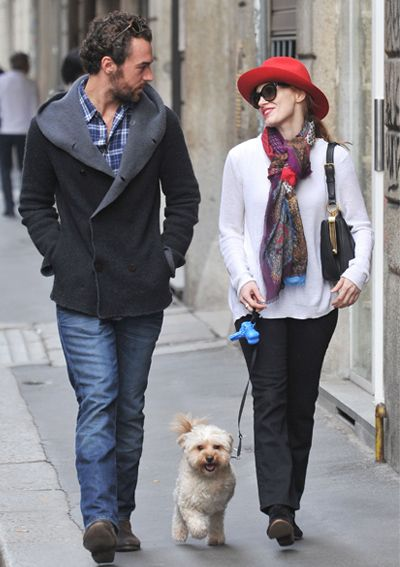 15 Dog-Walking Outfit Ideas Inspired by Celebrities - Jessica Chastain from #InStyle