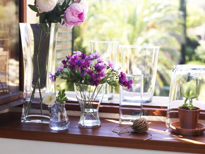 Clear Vases Show Off The Beauty Of Your Flowers. Mix And