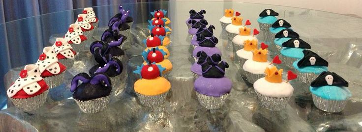 Disney Villians Cupcakes https://www.facebook.com/gingercupcakesandocookies