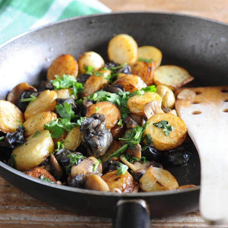 Découvrez la recette Fricassée d'escargots en persillade sur cuisineactuelle.fr.