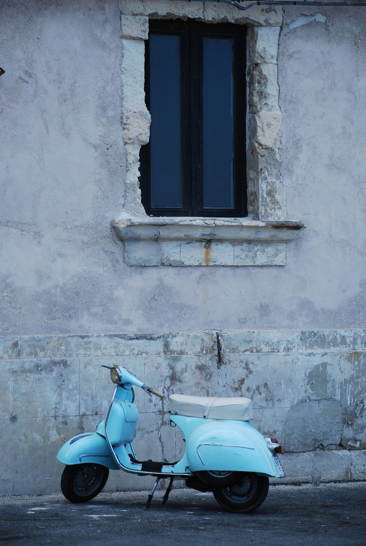 Ride to an Italian beach #sicily