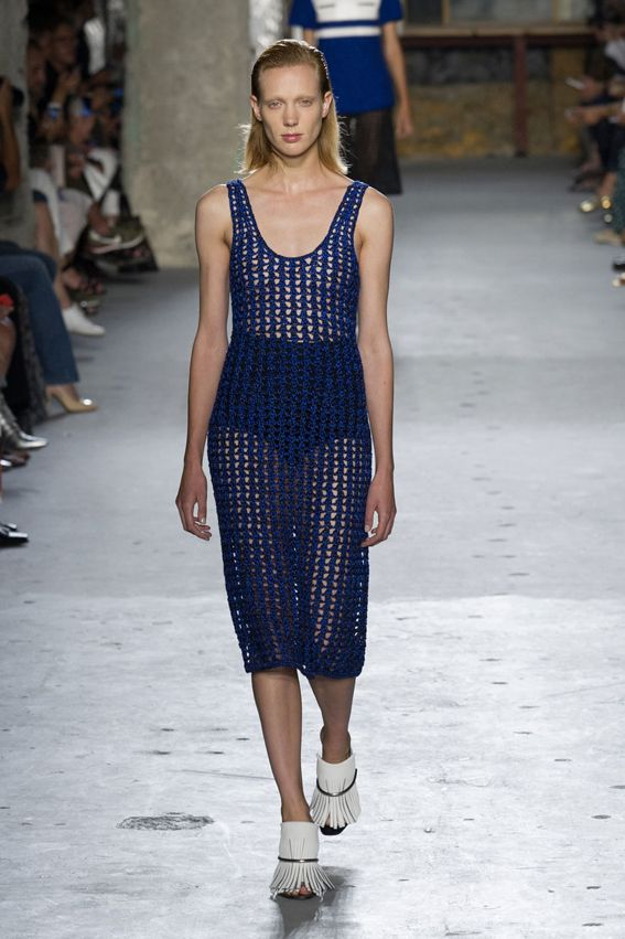 NY FW S/S 2015 Proenza Schouler. See all fashion show at: http://www.bookmoda.com/?p=29146 #spring #summer #ss #fashionweek #catwalk #fashionshow #womansfashion #woman #fashion #style #look #collection #NY #proenzaschouler @proenzaschouler