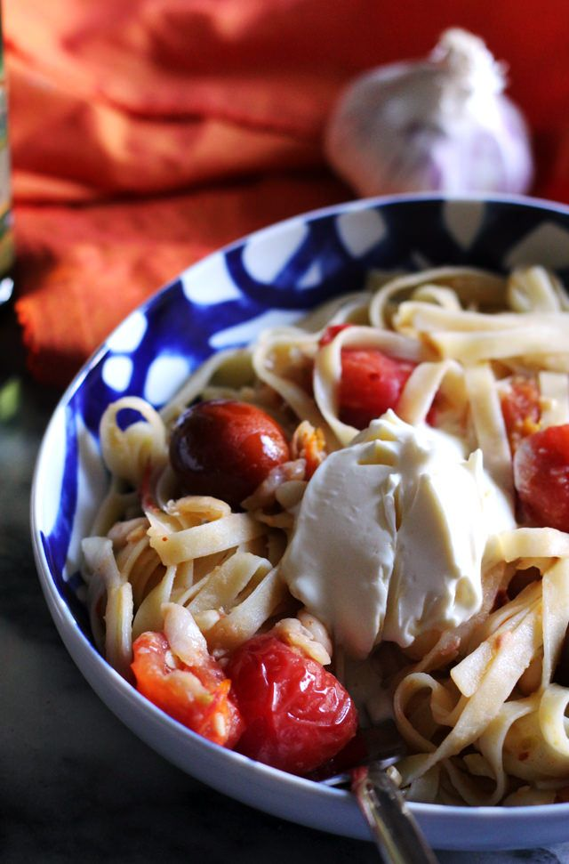 Garlicky Fettuccine with Tomatoes, White Beans, and Mascarpone | Joanne Eats Well With Others