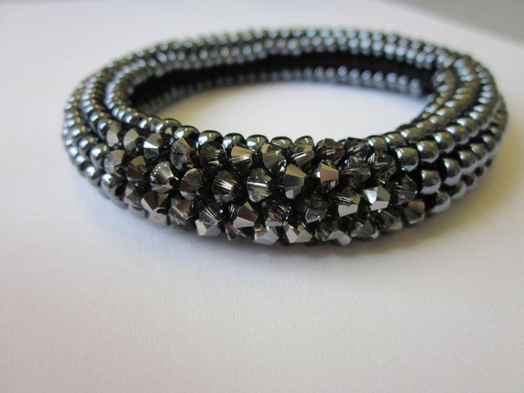 armb nder geh keltes perlenarmband silver night ein. Black Bedroom Furniture Sets. Home Design Ideas