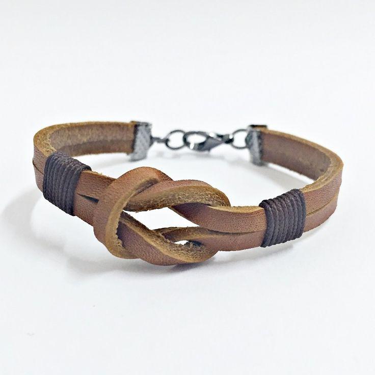 Pulseira masculina couro bracelet man men's fashin pulseiras moda homem                                                                                                                                                     Mais