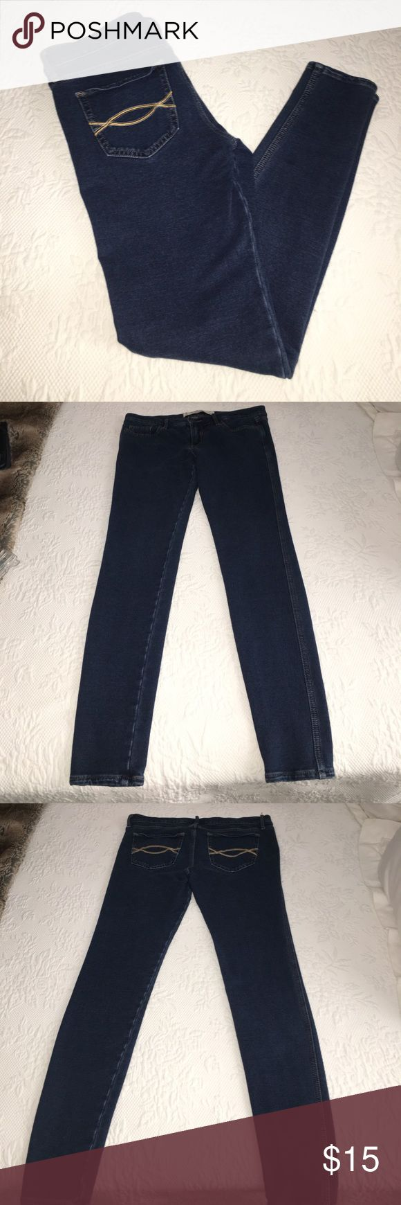 Abercrombie and Fitch Jegging Used A&F jeans/leggings! Very comfortable and soft. Have tiny hole at seam of back pocket as shown in last pic. Size 27 or 4. Could fit size 2. Abercrombie & Fitch Jeans Skinny