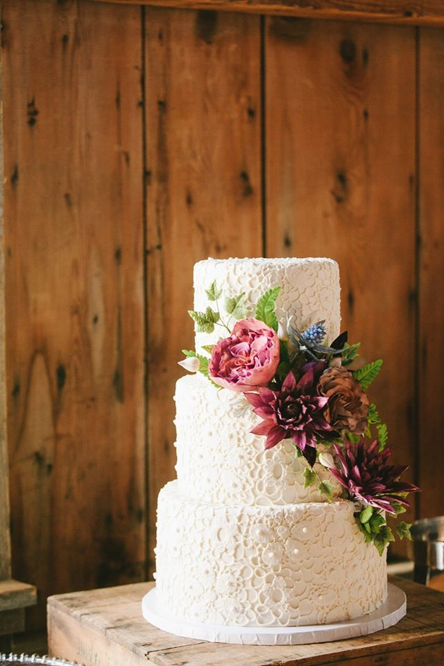 Michelle Gardella, Photographer, Cake: Erin Bakes; The Most Spectacular Wedding Cakes