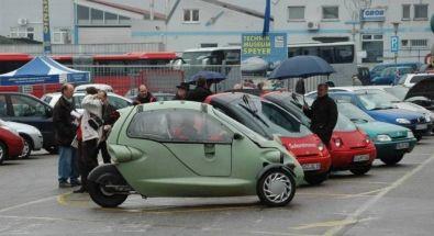 """Сам Крий на преден план и други """"стандартни"""" преработени автомобили."""