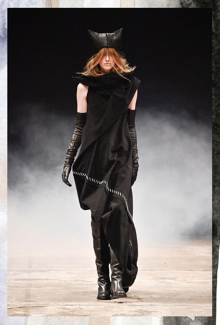 Ivan Grundahl CPH Fashion Week Show. More at -->http://thewanderlette.com/2017/02/16/top-looks-copenhagen-fashion-week-aw17/  #fw #fashion #week #fashionweek #cphfw #copenhagen #scandinavia #scandistyle #nordic #style #collection #aw17 #season #brand #highend #catwalk #runway #inspiration #denmark #ivan #grundahl #black #minimaism