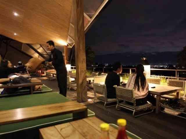 Wisata kuliner romantis di Maja House Lembang