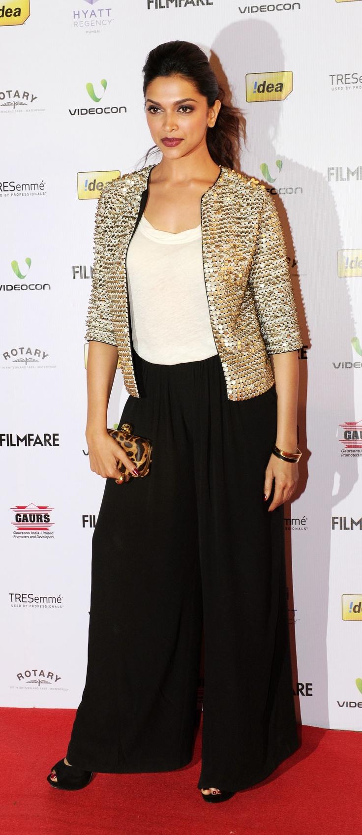 Deepika Padukone at the Filmfare nominations night 2013