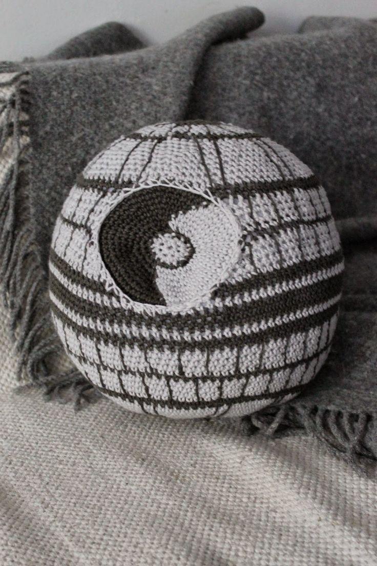 231 best crochet star wars images on pinterest crochet stitches kaita liina death star free crochet star wars pattern scroll down for bankloansurffo Images