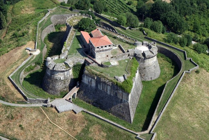 Fortezza di Sarzanello (Sarzana, Italy): Top Tips Before You Go - TripAdvisor