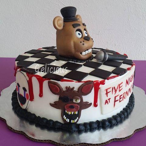 Five nights at Freddy's #cake #horrorcake #edible #pastel #videogame #videogamer #survivalhorror #horror #videojuego #geliciouschetumalinfantiles #demiedo