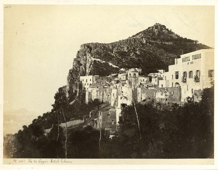 Italie, Ile de Capri, Hotel Tiberio    #Europe #Italia #Naples_Napoli