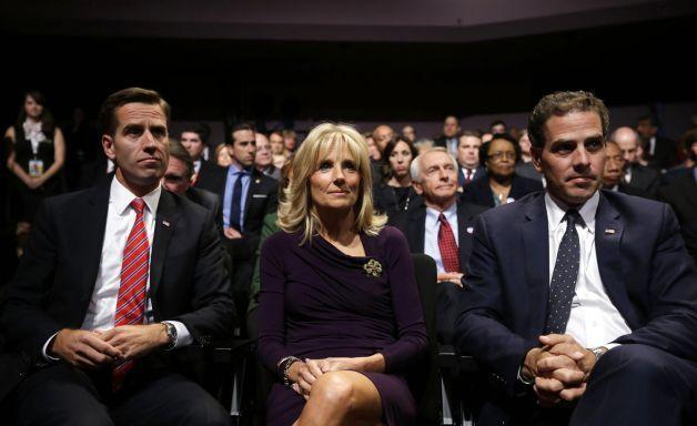 Joe Biden Wife | Joe Biden First Wife Jill biden, center, wife of