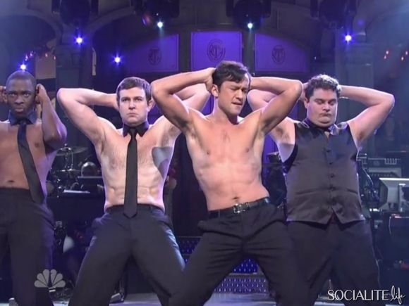 Joseph Gordon-Levitt Shirtless On 'Saturday Night Live'