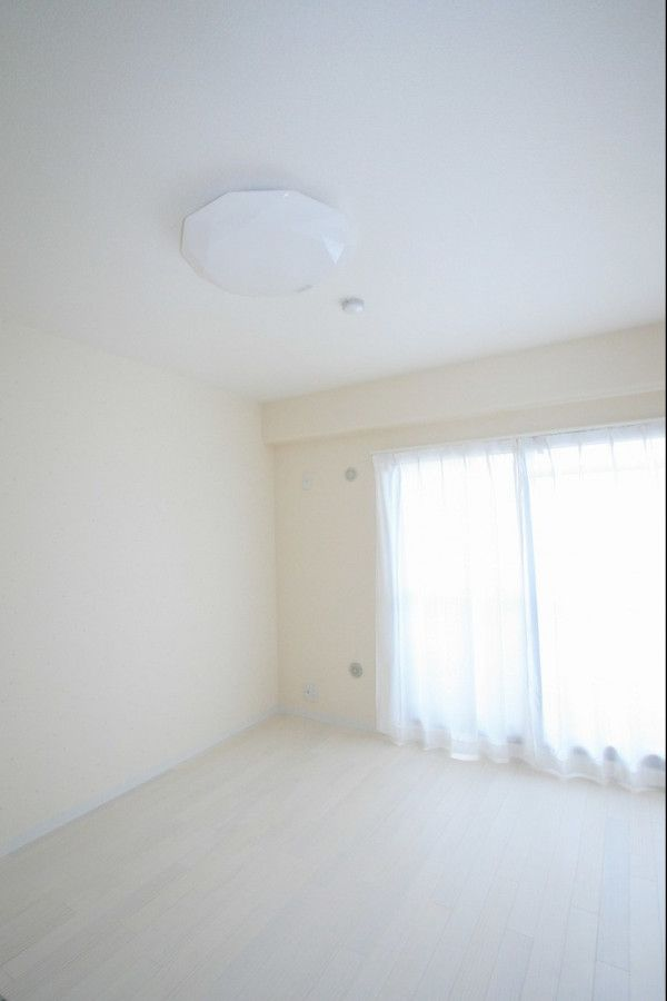 お気に入りの家具が似合う 憧れのフレンチシックな空間に