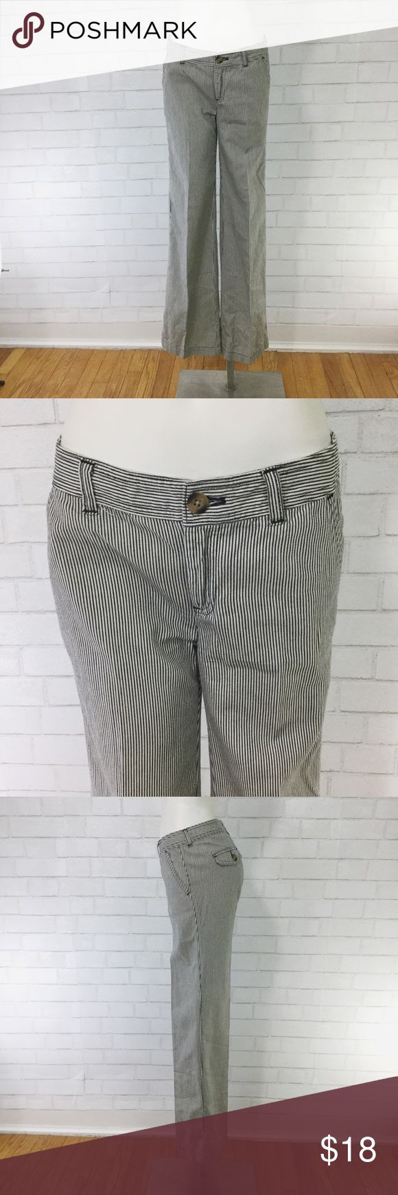 """Gap Engineers Trousers Nautical Stripes Navy blue and white striped 100% cotton dress pants. Waist= 14.5"""" Hips= 17"""" Rise= 8"""" Inseam= 32"""" GAP Pants"""