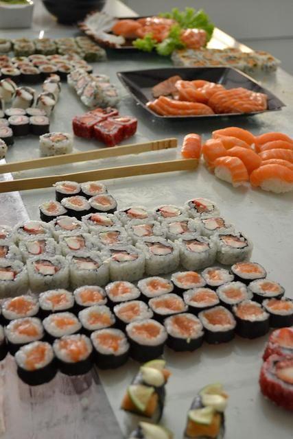 Sushi for a Kokeshi Doll Birthday Party #sushi #party