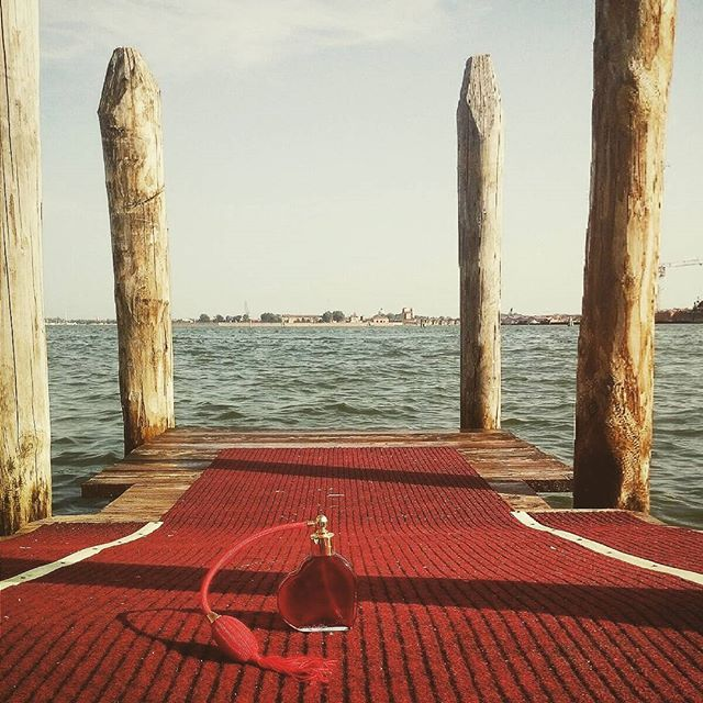 Ready for the red carpet? Smell the luxury of the #venice film festival! #yourmurano #venezia7
