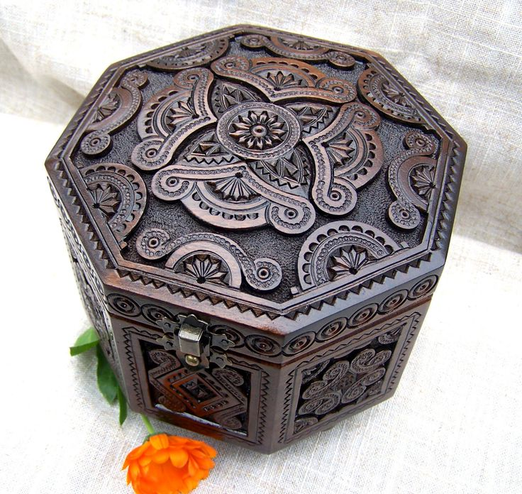 Jewelry box Wooden box Ring box Carved wood box Wooden boxes Jewellery box boite bijoux Wood boxes Wedding gift schatulle Wood carving B44
