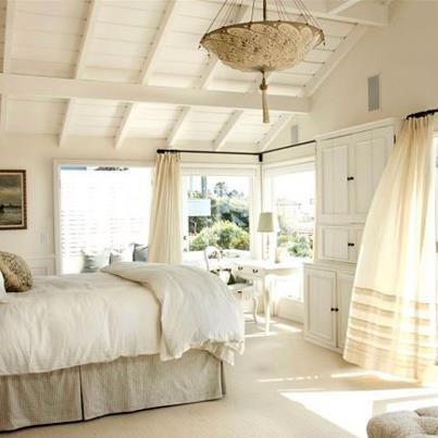 Beautiful bright bedroom! Looks so light u0026 cozy. & 29 best Bright Bedrooms images on Pinterest   Lighting ideas 3/4 ... azcodes.com