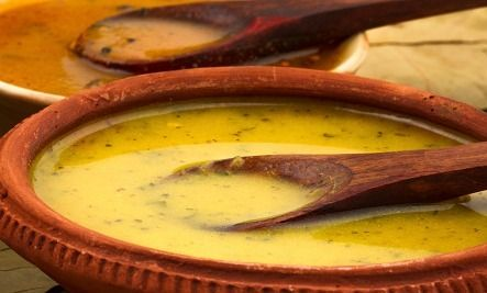 Yellow lentils, turmeric and ginger - A Delicious Soup That Fights The Cold & Flu