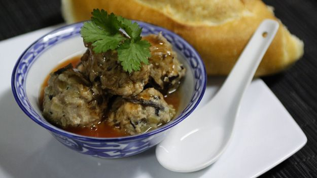Vietnamese meatballs (Xíu Mái)