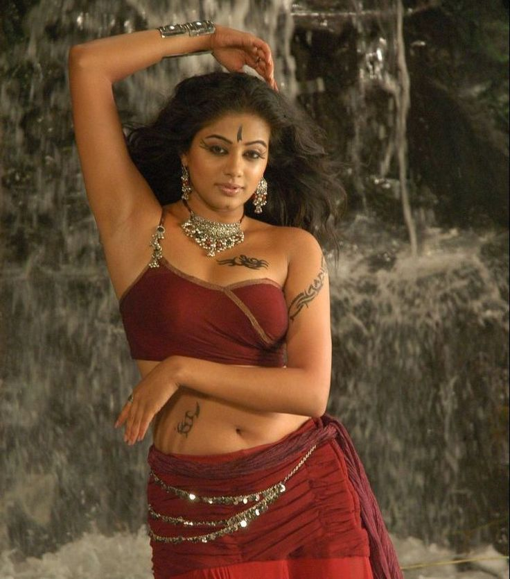 Hot-Priyamani-Pictures.jpg (751×852)