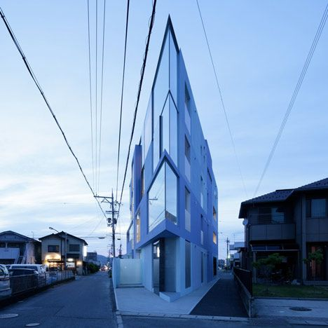 18 best taartpunt vormige huizen pie shaped buildings for Japanese architecture firms