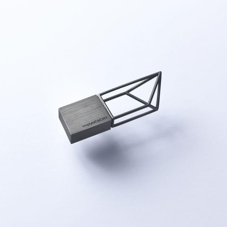 Empty Memory - Black Rhodium - Designed by Poetic Lab