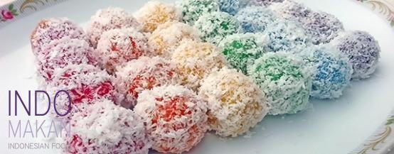 Klepon Pelangi - Rainbow balls filled with Javanese sugar