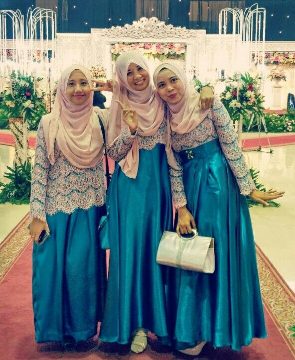 Muslimah bridesmaids