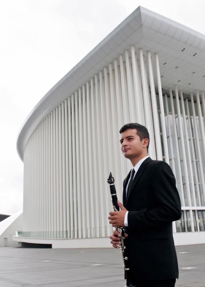 Sebastián Plata Acevedo  Clarinetista  Llega a Luxemburgo en 2009