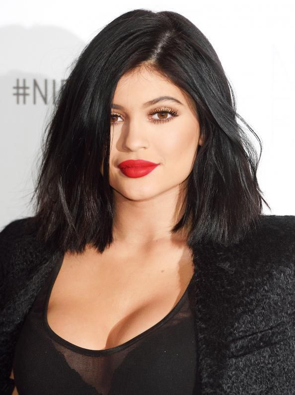 Kylie Jenner New Hairstyle 2019 Kylie Jenner Hairs Kylie Jenner Hair Jenner Hair Kylie Jenner Transformation