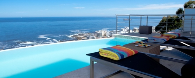 Les Cascades are offering three trendy-chic accommodations. Gorgeous views over Bantry Bay and a more down-to-earth hotel for younger travelers in Sea Point.