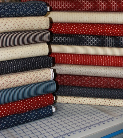 Old Glory Gatherings by Primitive Gatherings for @ModaFabrics at Fat Quarter Shop