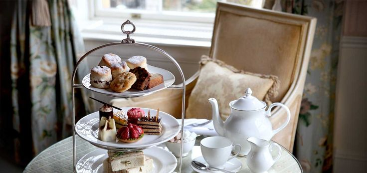 Platnium Afternoon Tea at Cliveden Hotel in the UK, the most expensive Afternoon Tea in the world!