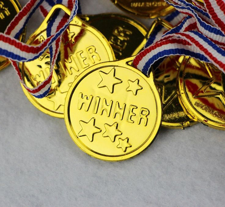 12pcs Boy Girl Goldtone Plastic Winners Medals Sports Day Party Bag Prize Awards Toys For party decor