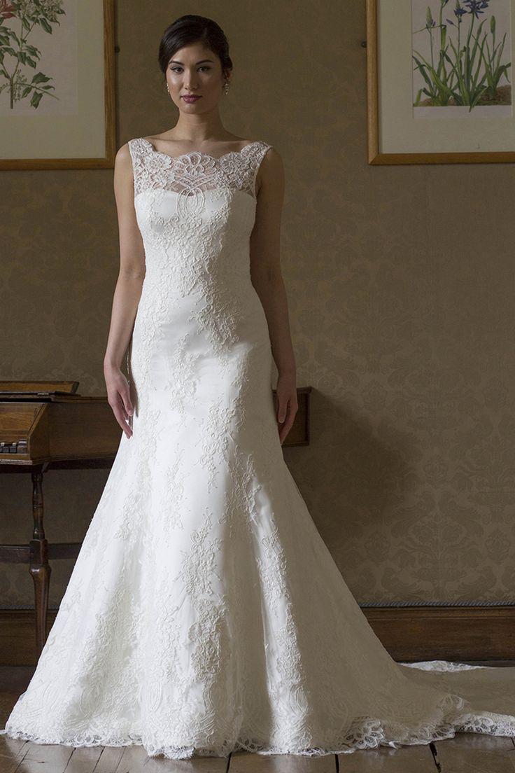 Lisa robertson in wedding dress - Sophia