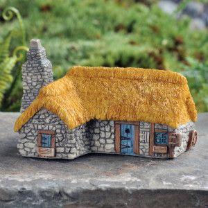 MICRO THATCHED COTTAGE - Ever wanted a house with a thatched roof?? Well now you can own one, albeit it's a micro. This could be your chance to make your dreams come true. The fairies will also have theirs come true when you place this in your garden. #fairygardeningaustralia