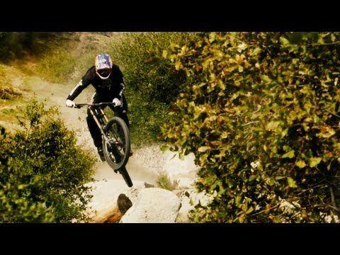 Aaron Gwin Blazes a Downhill MTB Trail in California - YouTube